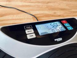 Miweba Sports Vibrationsplatte MV300 4D Wave LED Display