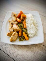 gesundes Mittagessen selber kochen - Reis mit Hähnchen und Mischgemüse